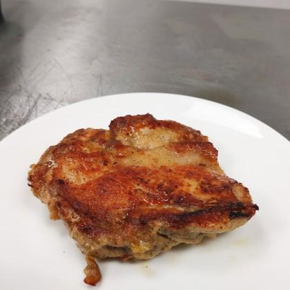 (生鲜冷冻)特制香煎鸡扒 麻辣/孜然烧烤/港式五香 (Raw) Lj's Special Marinated Chicken Chop (Fresh Frozen)